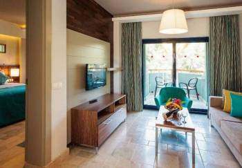 Club Deluxe Family Suite