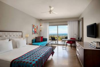 DELUXE ROOM DIRECT SEA VIEW